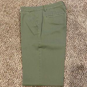 Loft Marisa Fit khakis pants olive green